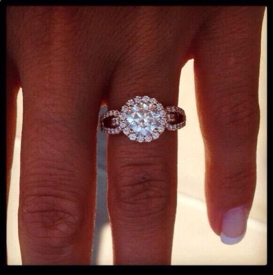 Engagement Ring 76d1accd6d43066e10